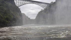 Lo Zambia del fiume Zambezi del ponte di cascate Victoria Immagini Stock Libere da Diritti