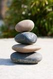 Lo zen gradice le pietre immagine stock