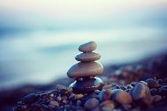 Lo zen lapida l'equilibrio Fotografie Stock Libere da Diritti