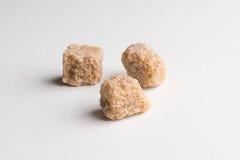 Lo zucchero di canna cuba colpo del primo piano del mucchio il macro sulla tavola Fotografia Stock Libera da Diritti