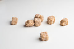 Lo zucchero di canna cuba colpo del primo piano del mucchio il macro sulla tavola Immagine Stock Libera da Diritti