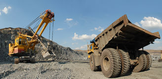 Loading of iron ore Royalty Free Stock Photos