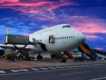 Loading the plane Royalty Free Stock Images