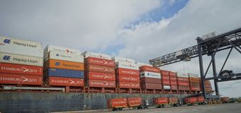 Loading shipping containers onto a vessel, Port Everglades Royalty Free Stock Images