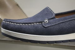 Loafers сини ботинка людей Стоковые Фото