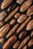 loafs de pão arranjados Foto de Stock
