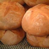 Loafs do pão em um mercado Foto de Stock Royalty Free