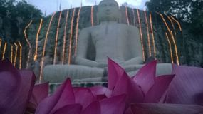 loard Budhdha Voyageant un autre endroit Sri Lanka photos stock