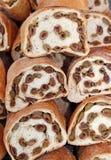 Loaves av BRÖD med OLIV Fotografering för Bildbyråer