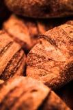 Loaves av bröd som är nya från ugnen Arkivbild