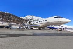 Lobal喷气机概念G650在Engadin机场 免版税库存照片