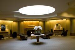 Lobby av affärsbyggnad arkivfoton