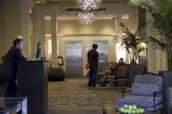 Lobby av Alexis Hotel Arkivfoto