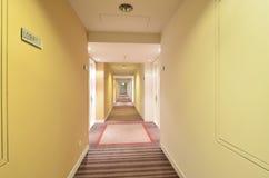 Lobby av det lyxiga hotellet arkivbild