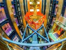 Lobby central intérieur d'un bateau de croisière Images stock