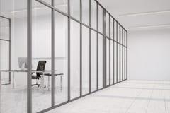 Lobby de bureau avec les murs de verre et le bureau de Président Photo stock