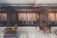 Lobby de fauteuils de Brown, lieu de réunion modifié la tonalité Image libre de droits
