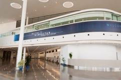 Lobby Gibraltar för internationell flygplats fotografering för bildbyråer