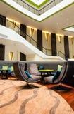 Lobby i ett hotell arkivbild