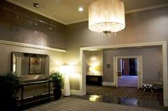 Lobby von Alexis Hotel Stockfotos