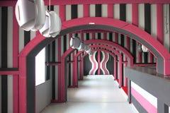 Lobbydesign i rosa färger Arkivbilder