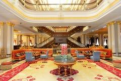 Lobbyen av det lyxiga hotellet för Mardan slott Royaltyfria Foton