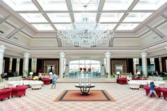 Lobbyen av det lyxiga hotellet för Rixos Sharm el Sheikh Royaltyfri Fotografi