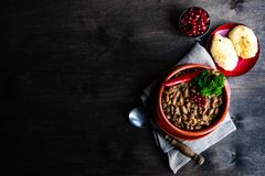 Lobio georgiano tradicional del plato foto de archivo