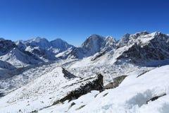 Lobuche szczyt beside Everest od kallapather szczytu Zdjęcie Royalty Free