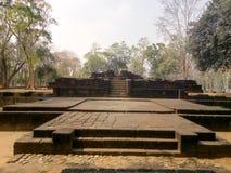 Local arqueológico de Prasat Hin Phimai em Tailândia imagens de stock