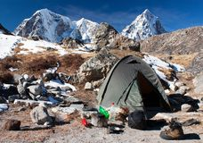 Local de acampamento com a barraca perto do acampamento base de Everest - Nepal Imagem de Stock