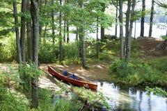 Local de acampamento da canoa no parque de Frontenac, Ontário Canadá fotografia de stock royalty free