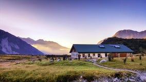 Local de acampamento situado em Aoraki, Nova Zelândia imagem de stock
