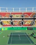 Local de encontro principal Maria Esther Bueno Court do tênis do Rio 2016 Jogos Olímpicos durante o fina dos dobros das mulheres fotos de stock