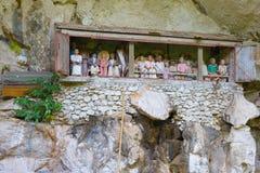 Local de enterro tradicional em Tana Toraja imagens de stock