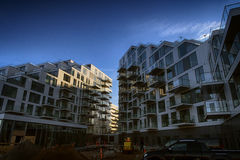 Local de prédio de apartamentos moderno novo Fotografia de Stock Royalty Free
