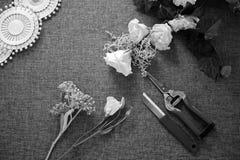 Local de trabalho do florista Ferramentas e acessórios foto de stock