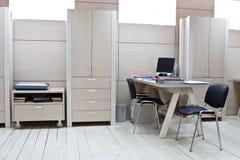 Local de trabalho do gerente no escritório moderno Imagem de Stock