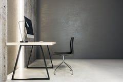 Local de trabalho de Minimalistic no lado interior Imagens de Stock Royalty Free