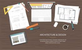 Local de trabalho - plano da casa do arquiteto do projeto de construção com ferramentas, portátil e caderno Fundo da construção Fotos de Stock