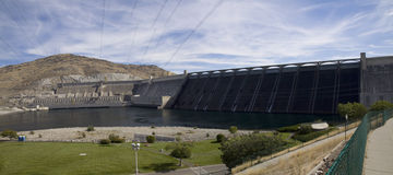 Local hidroelétrico da represa grande de Coulee, o Rio Columbia, Washington Imagens de Stock
