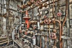 Locale caldaie industriale abbandonato in una fabbrica in disuso Fotografia Stock