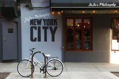 Locale per i giovani in Greenwich Village Immagini Stock