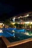 Località di soggiorno con la piscina Fotografia Stock Libera da Diritti