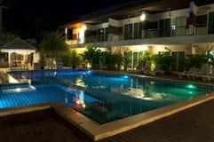 Località di soggiorno con la piscina Fotografia Stock