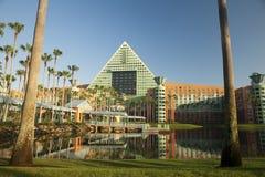 Località di soggiorno del delfino di Disney ad alba Fotografia Stock Libera da Diritti