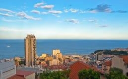 Località di soggiorno del Monaco con l'orizzonte sopra il mare al tramonto Immagine Stock Libera da Diritti