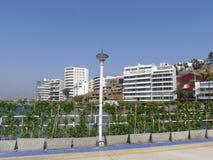 Località di soggiorno dell'ancona alla linea costiera di Lima, Perù Fotografia Stock Libera da Diritti