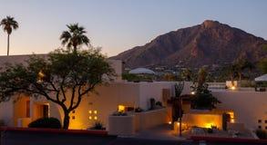 Località di soggiorno dell'Arizona con il tramonto fotografia stock libera da diritti