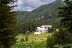 Località di soggiorno della capanna della montagna Immagine Stock Libera da Diritti